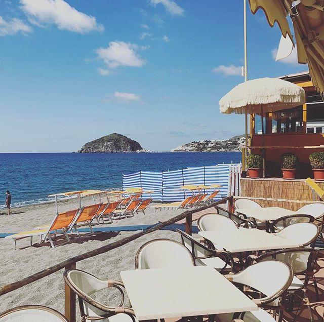 Qui splende sempre il sole #ristoranteida #maronti #food #ischia #sun #sea #summer