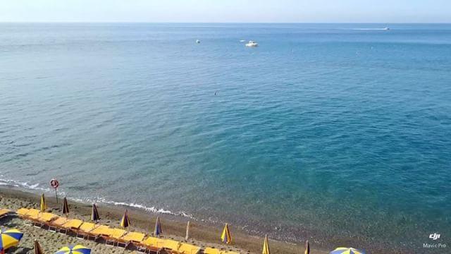 Spiaggia dei Maronti stamattina! Il posto più bello del mondo #ISCHIA #maronti #ristoranteida #spiaggiadeimaronti #drone #mavic
