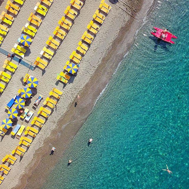Buongiorno! Vi aspettiamo per un tuffo! #ristoranteida #maronti #summer #spiaggiadeimaronti #ischia #drone #mavic #dji