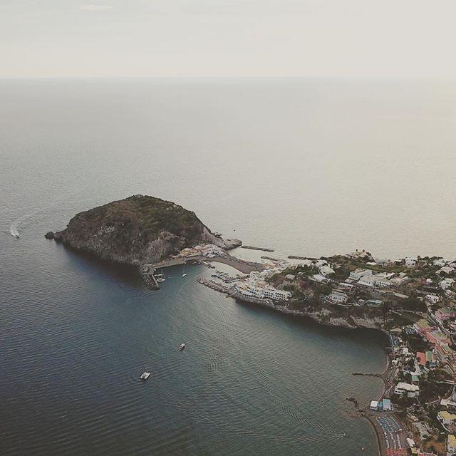 Buona serata. Arrivederci ai maronti #ISCHIA #spiaggiadeimaronti #maronti #ristoranteida #summer #drone #dji #mavicpro
