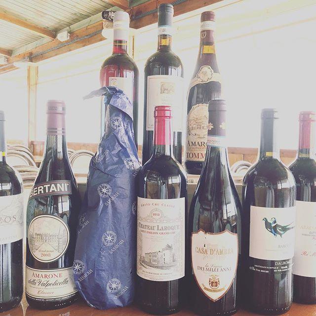 Alcuni dei nostri #vini #rossi #wine #ischia #spiaggiadeimaronti #ristoranteida #sassicaia #amarone #barolo #barbera #merlot #chateaularoque