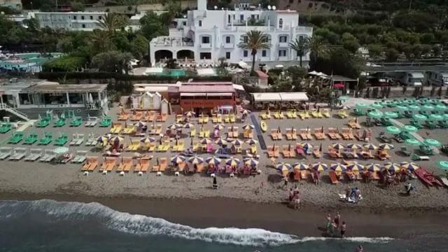 Una giornata da noi #ISCHIA #summer #sea #sun #relax #food #healty #ristoranteida #spiaggiadeimaronti