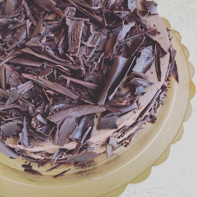 One cake a day by @angelaspennato  #cake #cakedecorating #cakes #cakeporn #caketime #dessert #desserts #dessertporn #desserttime #dessertlover #dessertoftheday #pastry #pastrychef#pastrylife #pastrylove #igitalia #igers  #igersitalia #igs #iger  #italia  #ischia #spiaggiadeimaronti #ristoranteida
