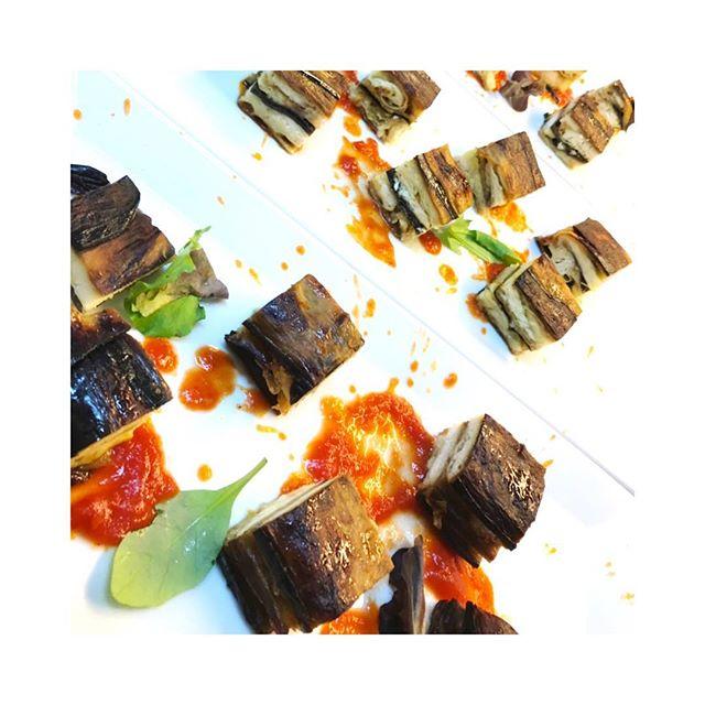 Un assaggio di parmigiana di Bandiera!? #ischia #ristoranteida #spiaggiadeimaronti #instagood #photooftheday #beautiful #love #happy #cute #picoftheday #follow #followme #follow4follow #like4like #tbt #me #summer #repost #instadaily #friends #food #instalike #chef #cheflife #igers #instagram #cheflife #instafood #foodporn
