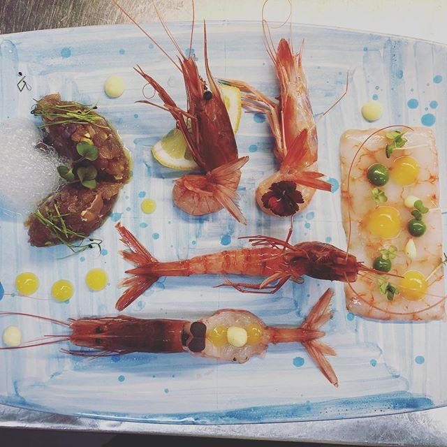 Oggi è così ... il nostro crudo! ???? #sashimi #sushi #food #japanesefood #foodporn #foodie #instafood #sushilovers #temaki #sushibar #sushitime #foodstagram #japan #japanese #sushilover #comidajaponesa #restaurant #comment #salmon #delicious #delivery #foodgasm #tuna #uramaki #sushiroll #sushiart #tasty #salmao #nigiri #ristoranteida