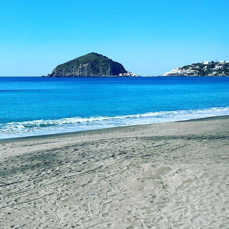 Signore & Signori iniziamo a scaldare i fornelli pronti per la stagione 2021 • Stay #tuned • #ristoranteida #yellowzone #spiaggiadeimaronti #ischia #summer