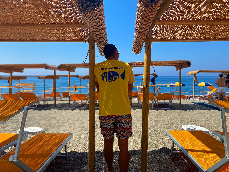 Oggi staff al completo! @angelopesce13 •••#iniziamoquestoweekend #buonsabato #ristoranteida #marontibeach