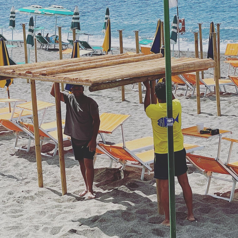 Signore & Signori Ladyes & Gentleman Stanno tornando LE PAGLIARELLE ?? ? ? ••#lepagliarelledialdo #altolivello #sun #sea #love #beach #ristoranteida